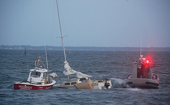 I guess this is what it's like to sink a Catalina 22 (my boat).