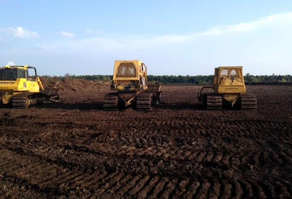 atlas track bulldozers