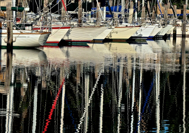 sea harbour mast reflection