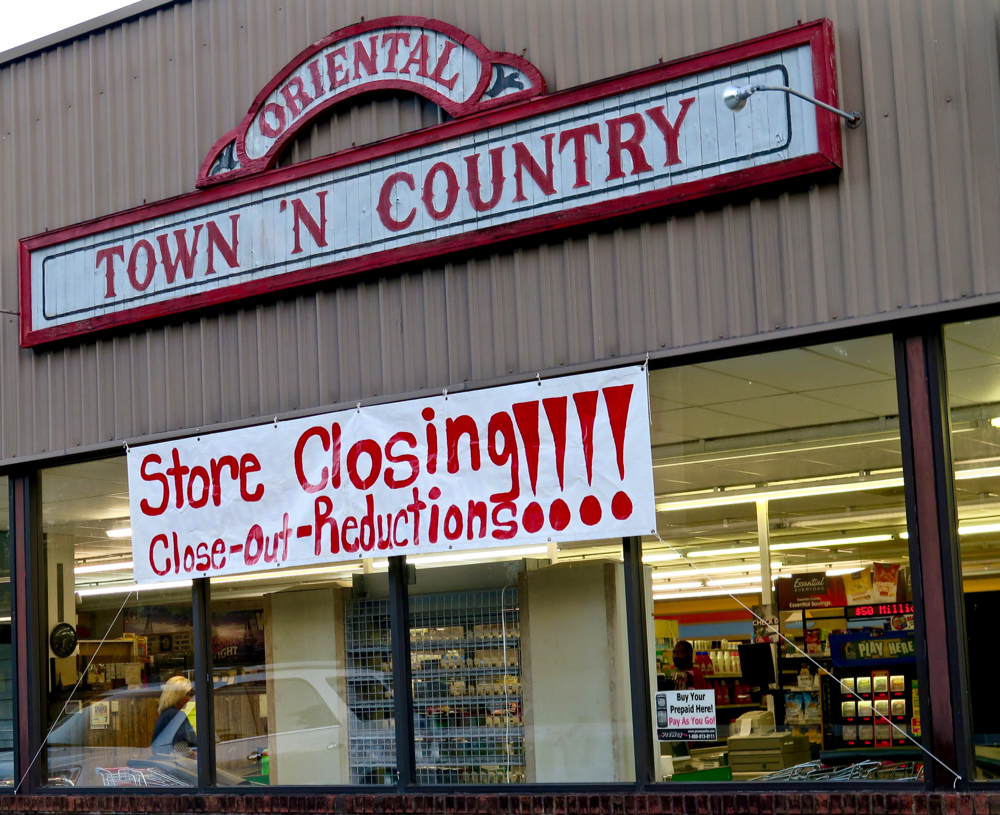 town country closing sign