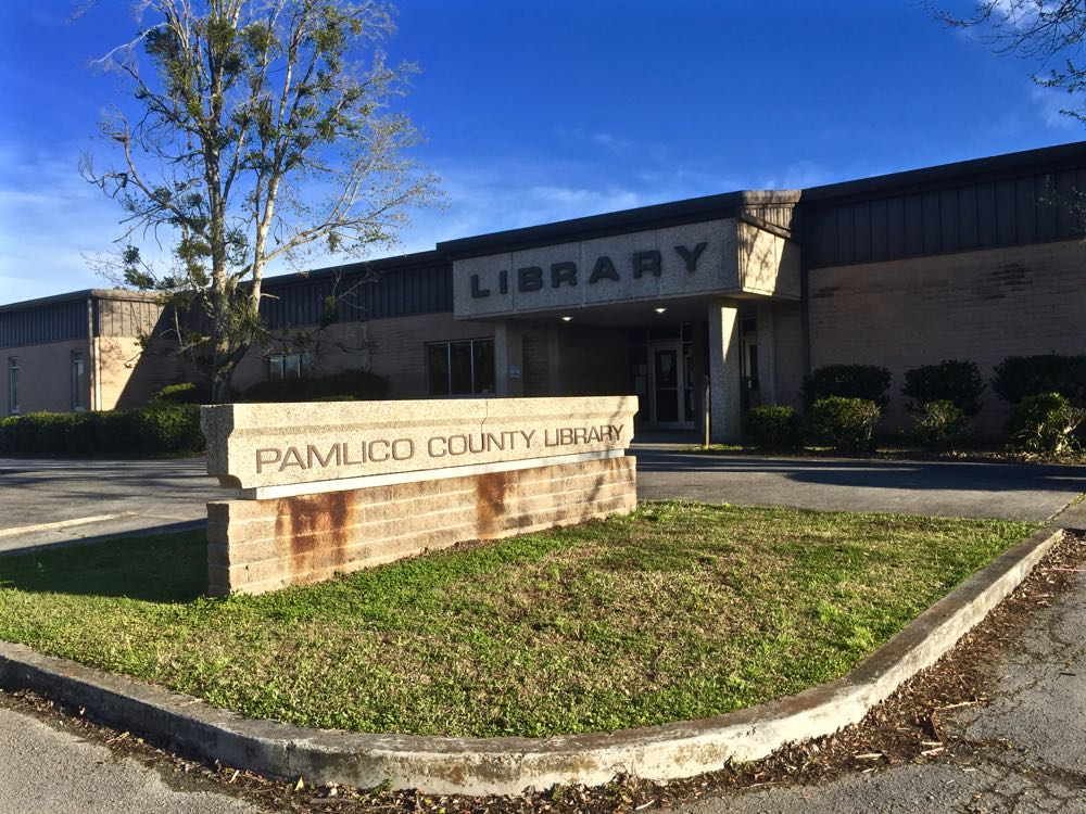 pamlico library  closed